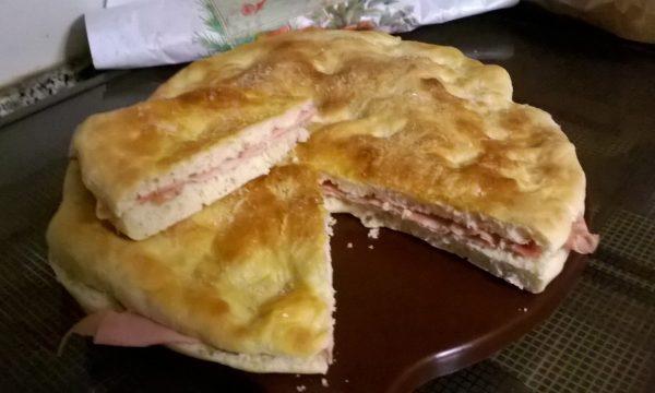 Focaccia con la macchina del pane – un bel trucco in cucina!