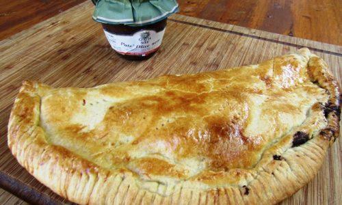 Torta salata con Patè di olive nere
