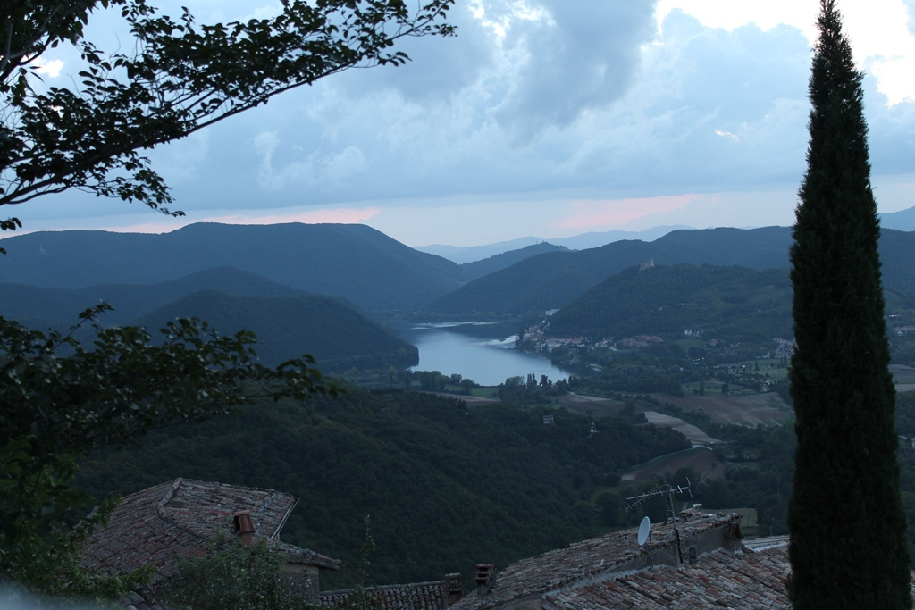 Vista sul lago di Piediluco