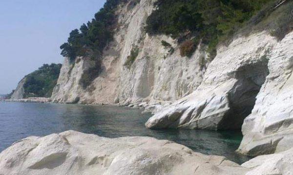 Appello ai turisti della riviera del Conero.