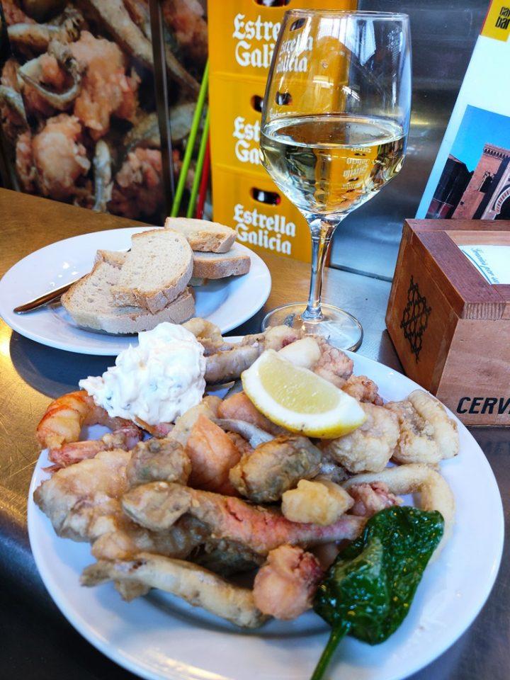 Fritura de Mariscos y pescado - Frittura di pesce appena pescato - Mercato di Atarazanas, Malaga