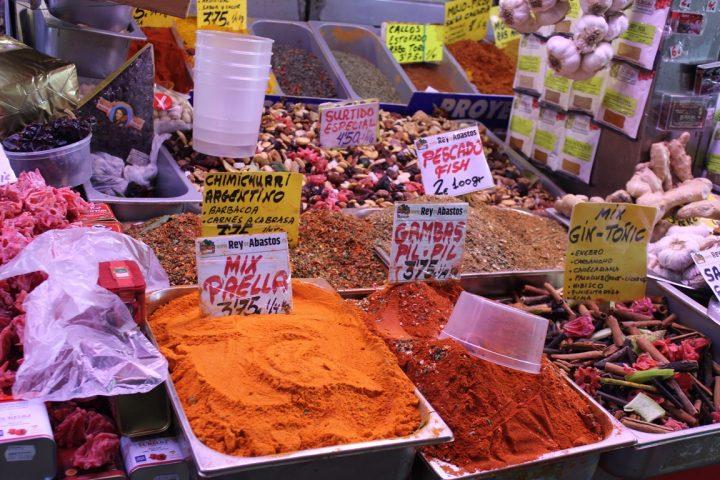 Spezie al mercato di Malaga - Mercato di Atarazanas, Malaga