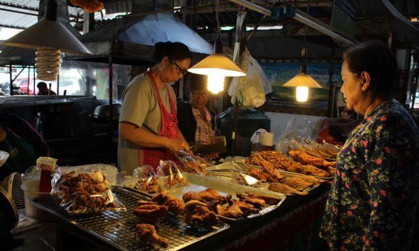 Passeggiare per Chiang Mai – il Mercato popolare e il Night Bazaar