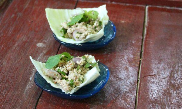 Larb Gai – insalata di pollo del Nord della Thailandia