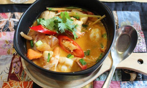 Zuppa di gamberi thailandese – la ricetta della Tom yum goong