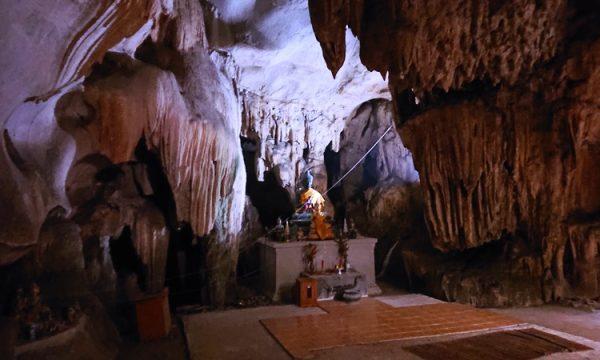 """Grotte Lawa – le """"grotte di Frasassi"""" thailandesi!"""