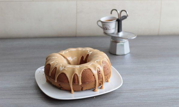 Ciambella glassata al caffè – eleganza e gusto!