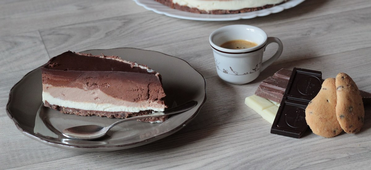 Torta ai tre cioccolati semplice