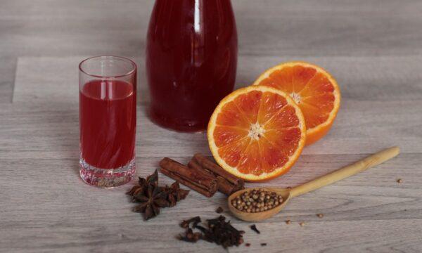 Alchermes fatto in casa – il liquore rosso della nonna
