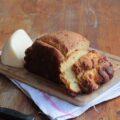 in questa immagine è contenuta la pizza di formaggio marchigiana con la macchina del pane